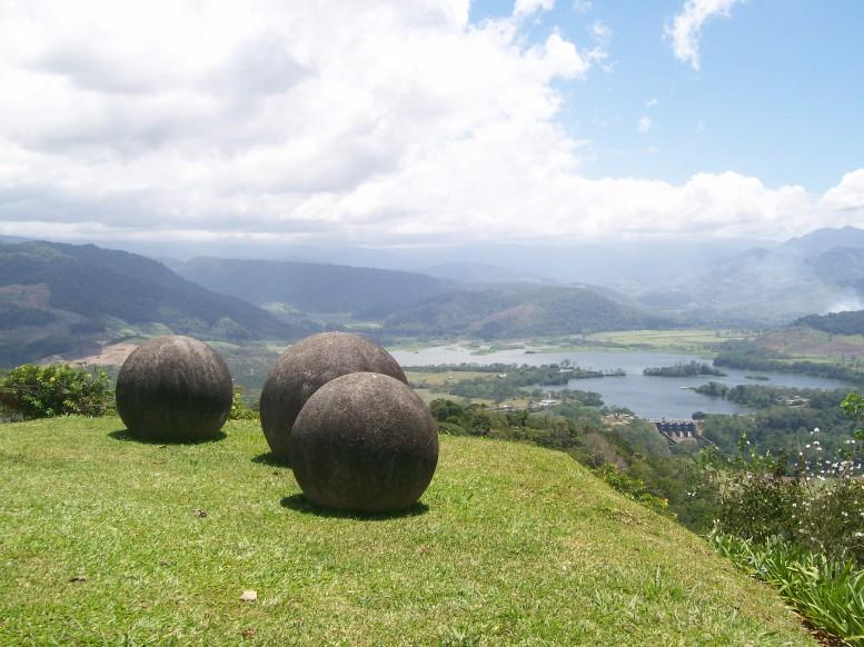Diquís-ThreeSpheres